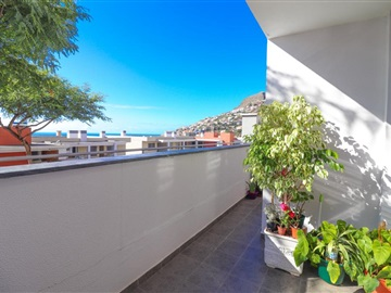 Appartement T2 / Câmara de Lobos, Preces