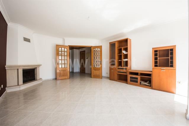 Appartement T2 / Sintra, Belas - Campinas