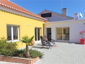 Detached house T3 / Nazaré, Fanhais