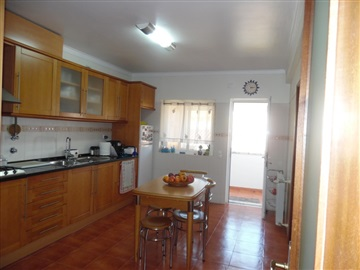 Detached house T4 / Seixal, Amora
