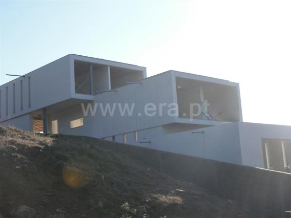 Detached house T5 / Barcelos, Creixomil e Mariz