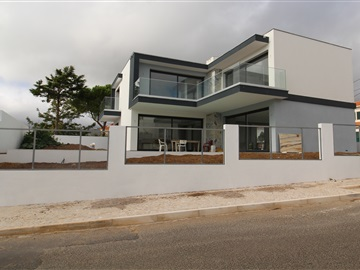 Detached house T5 / Cascais, Murches