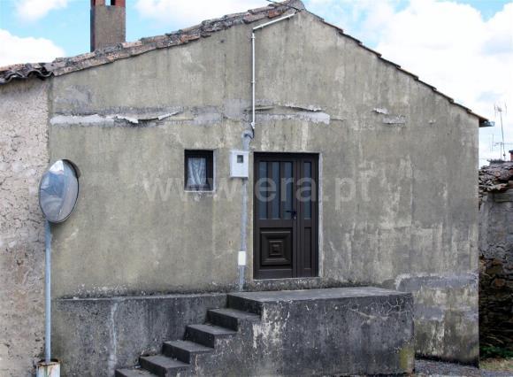 House / Mogadouro, Brunhozinho, Castanheira e Sanhoane
