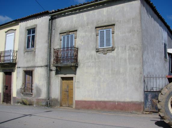 House / Mogadouro, Penas Roias