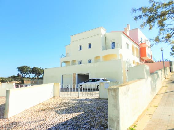 Semi-detached house T2 / Lagoa, Bela Vista