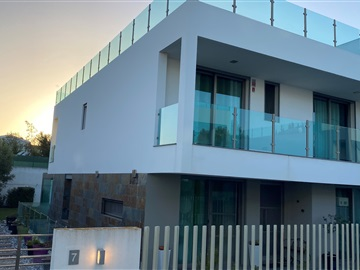 Semi-detached house T4 / Cascais, Alcabideche