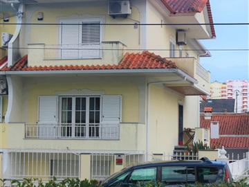 Semi-detached house T4 / Seixal, Corroios