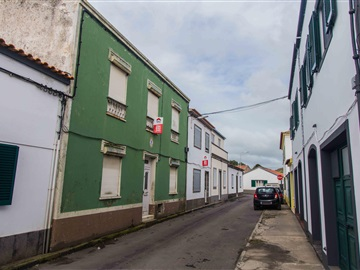 Semi-detached house T6 / Ponta Delgada, Arrifes